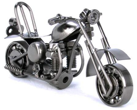 винтажная модель мотоцикла: игрушка для большого ребенка