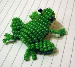 объемные игрушки из бисера: лягушка