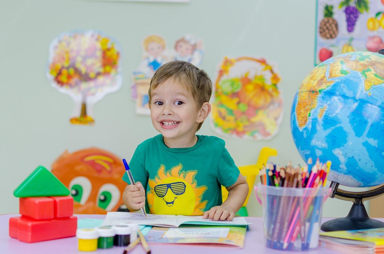 Как собрать ребенка в школу; игрушки для первоклассника